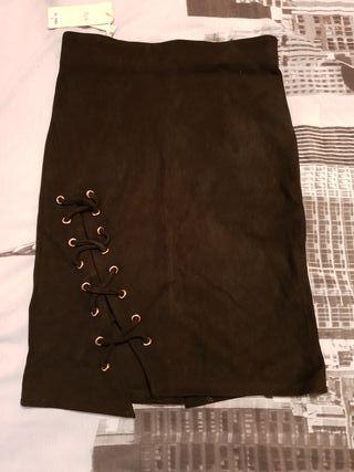 falda negra cordones talla S