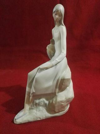 figura de dama de nao de lladro