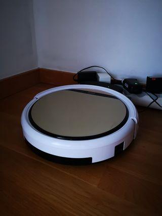 "Robot ""Roomba"" Aspira y Friega"