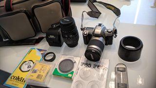 Cámara reflex Nikon F65 (analógica) + obj. 70-300