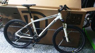 "bicicleta commencal 26"" talla L"