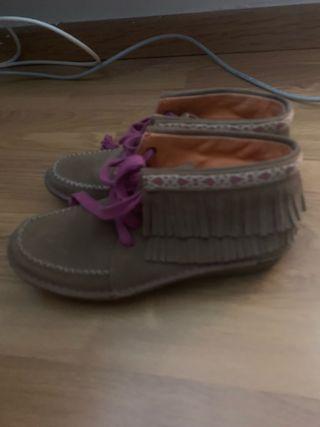Zapatos indios hush puppies número 38