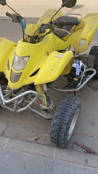 se vende quat Suzuki motor ltz 400cc