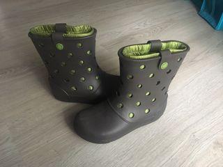 Botas verdes crocs Wellington desenfundables