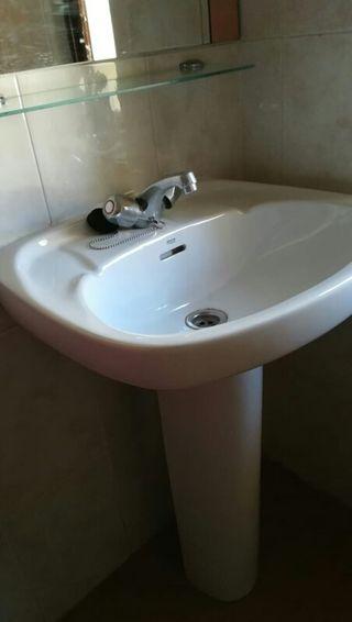 lavabo y pie Roca victoria