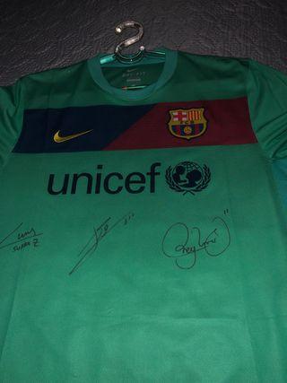 Camiseta firmada por la MSN