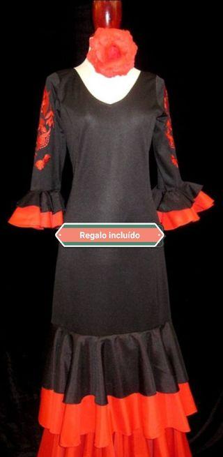 Vestido Flamenca. Academia danza.