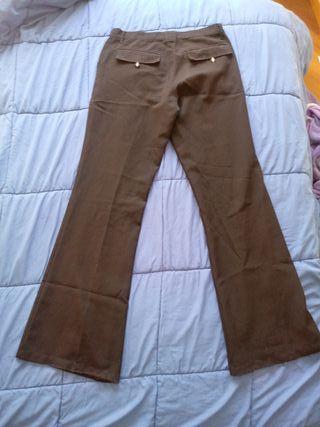 3742c7587 Pantalones de trabajo de segunda mano en Leganés en WALLAPOP