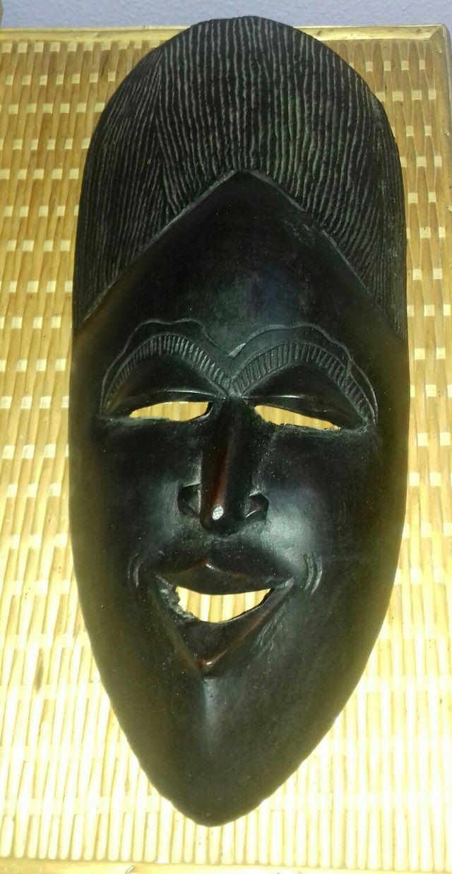 mascara de Senegal
