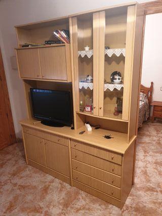 mueble de salón y tv de 28'