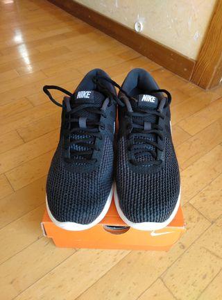 Zapatillas Nike talla 42.50 nuevas