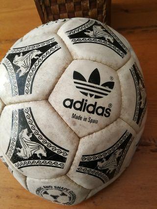 balón Adidas etrusco unico
