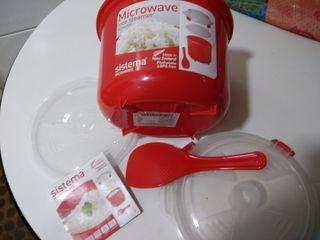 Recipiente cocedero de arroz al microondas