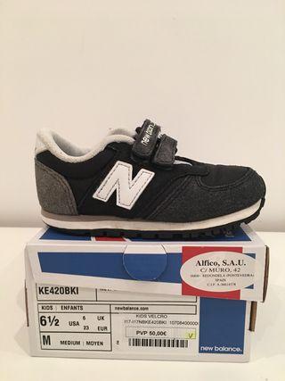 Zapatillas New Balance bebé talla 23