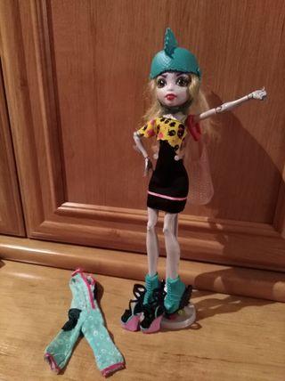 Monster High Lagoona Blue patinadora