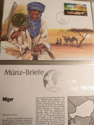 Precioso sobre con sello y moneda de Níger.