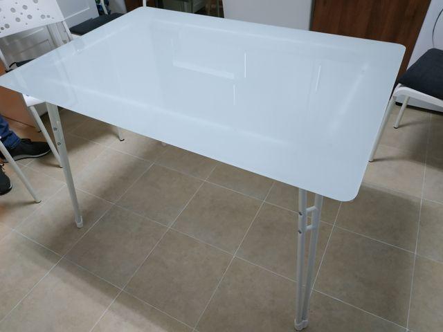 Mesa de cocina de segunda mano por 45 € en Zaragoza en WALLAPOP