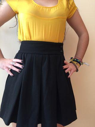 1116f957ff Falda Zara amarilla de segunda mano en Madrid en WALLAPOP