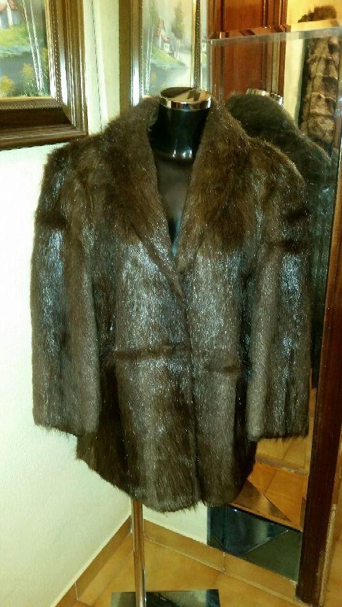 Abrigo nutria talla XL