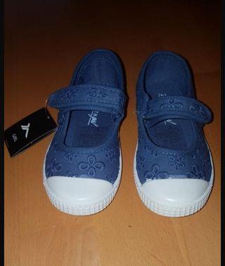 0f9360850 Zapatillas para niño de segunda mano en Sabadell en WALLAPOP