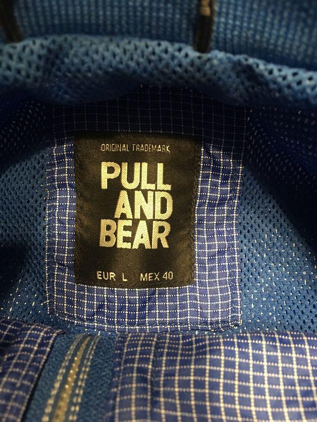 Cortavientos impermeable hombre Pull&Bear talla L