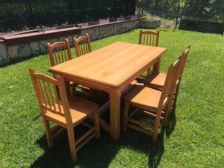 Mesa extensible y 6 sillas roble macizo