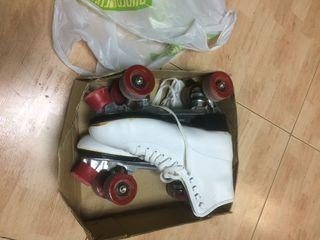 Patines de Cuatro Ruedas / Roller Skates