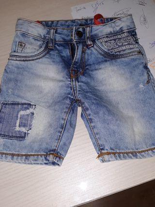 pantalón vaquero niño de Zara 3 a 4 años