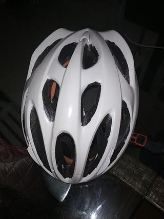 casco de bici impecable