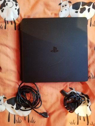 PS4 slim 500gb+juegos NEGOCIABLE