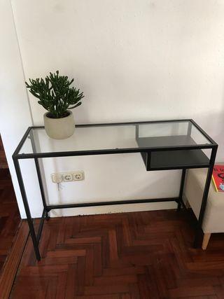 Mesa escritorio y mesilla