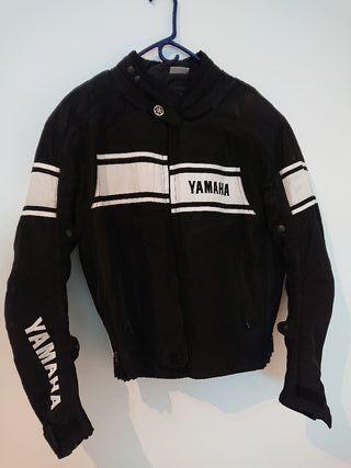 Chaqueta Yamaha + Casco Shoei