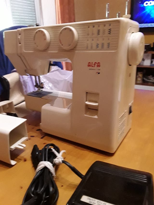 Máquina de coser alfa 1108 de segunda mano por 100 € en