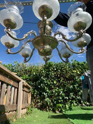 Lámpara antigua en perfecto estado