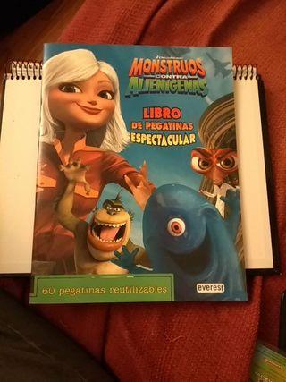 Monstruos contra alienígenas. Libro pegatinas