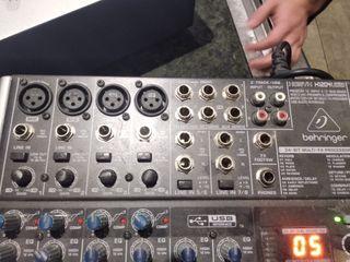 tabla mezcla behringer