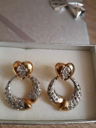 fb94d5ed733a Pendientes aro de oro de segunda mano en Madrid en WALLAPOP