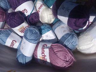 Lote de 40 madejas de lana