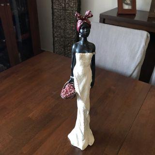 Figura de mujer Africana