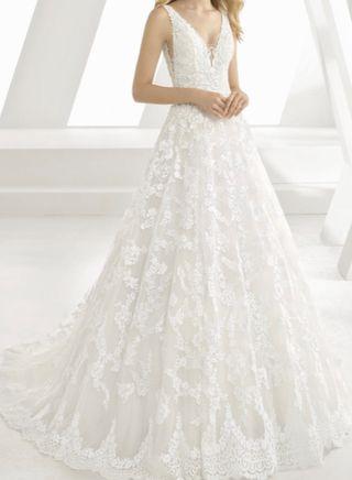 Precioso vestido de novia rosa clara