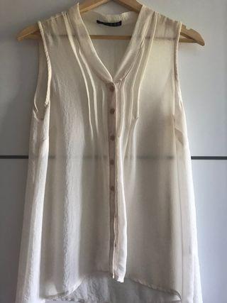 0fb46fe06 Blusa Mango blanca de segunda mano en León en WALLAPOP
