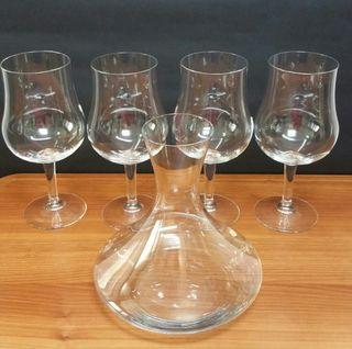 Copas vino y decantador