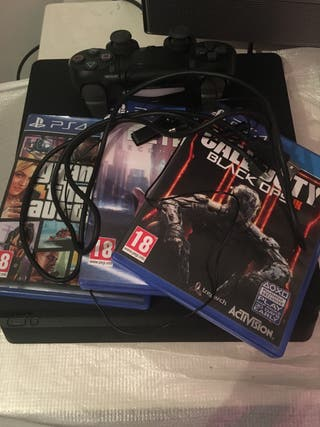PS4 Slim games , controller