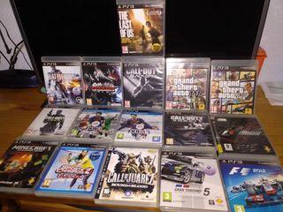 PlayStation 3, con varios accesorios