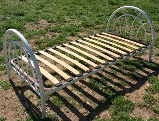 Cama de madera metalica para 1 persona con somier