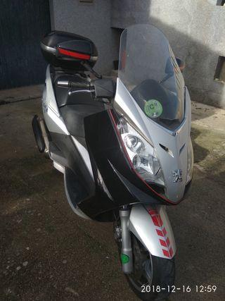 scooter Peugeot 400cc