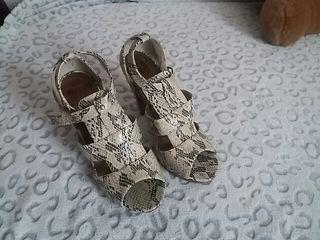 Zapatos Blanco T40 tacón. Nuevos. ENVÍO GRATIS