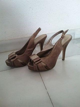 10812786 Zapatos de fiesta con plataforma de segunda mano en Córdoba en WALLAPOP