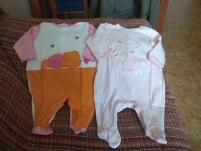311e9ca002 2 Pijamas de bebe de segunda mano por 10 € en Ripollet en WALLAPOP
