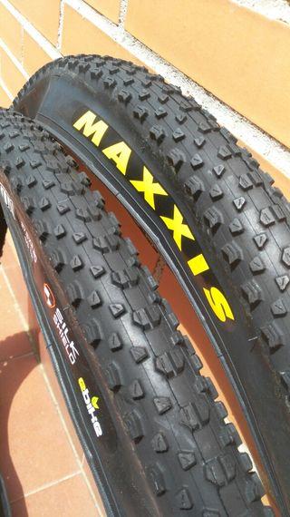 "Cubiertas MAXXIS IKON 27,5""x 2,20. Silk Shield."